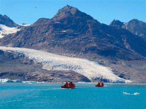 Per Boot zum Karale-Gletscher