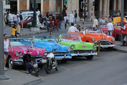 Taxis_in_Havanna