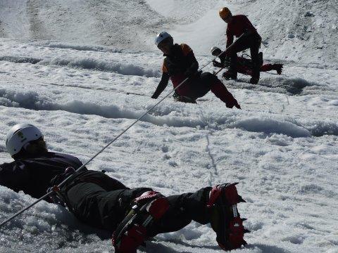 Spaltenbergung am Gletscher 2