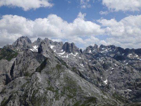 Markante Gipfel in den Picos