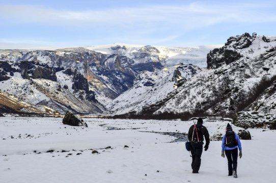 Wanderung durch Islands Winterlandschaft
