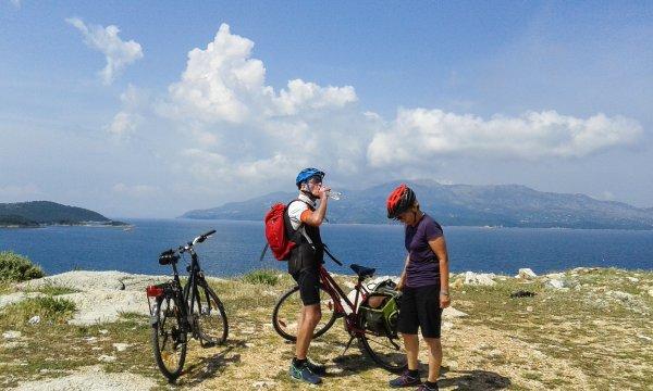 Trekkingbike Albanien 01