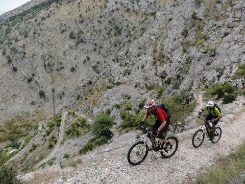 Montenegro-MTB_Serpentinentrails2