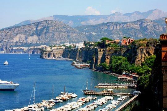 Italien - Hafen von Sorrent