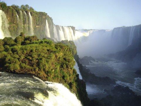 Naturschauspiel: Die Iguazu-Wasserfälle auf der brasilianischen Seite.
