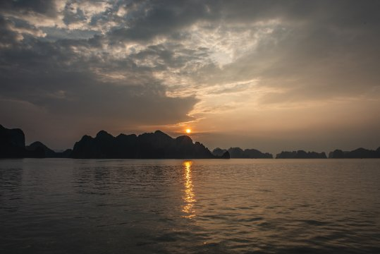 Sonnenuntergang Ha Long