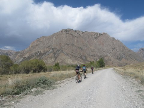 Kirgistan-MTB-Unterwegs-zum-Son-Kul-See