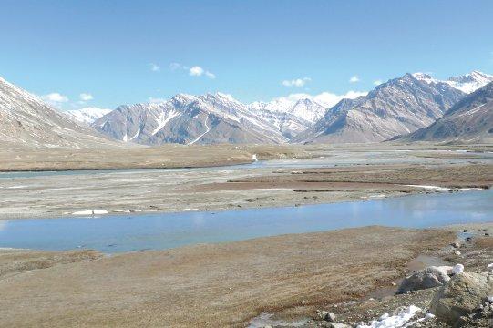 Gletschwersee in Zanskar auf der Fahrt von Rangdum nach Padum