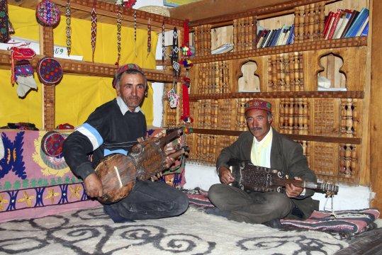 Zwei Musiker in Yamg