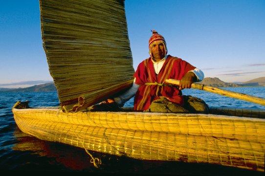 AMS_BSK_Peru_Titicaca_Uros_papyros_floting_Islans_3187