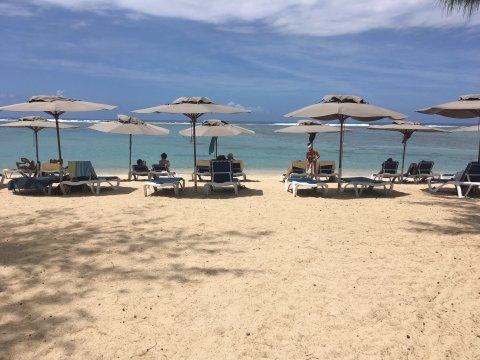 Reunion-Strand-von-La-Saline-Les-Baines-Liegen