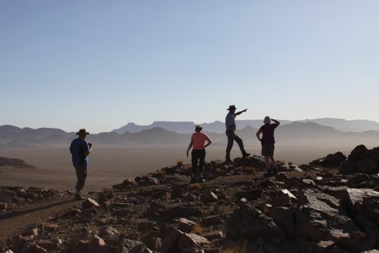Namibia-Desert-Homestead-Outpost-Wanderung-Weite