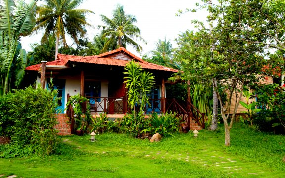 Eco Beach Resort Superior Bungalow Gardenview