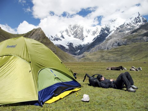 Camp Cordillera Blanca gruenes Zelt 2