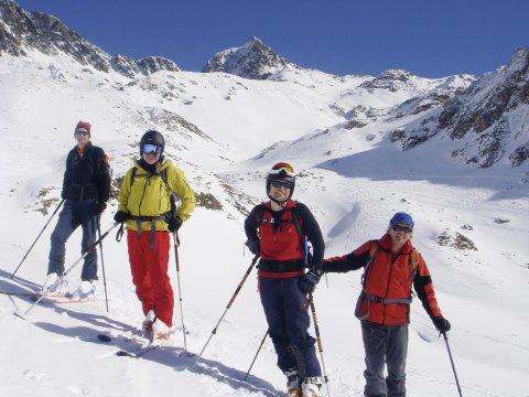 Skitourengruppe_Abfahrtspause