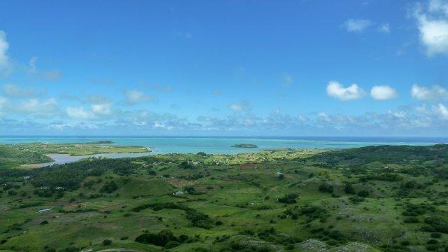 Rodrigues-Küste-und-Vegetation-1