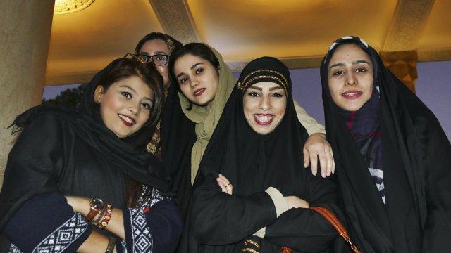junge Leue in Iran