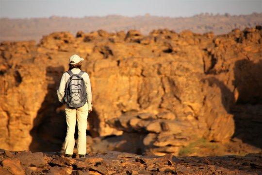 Wanderin in Algerien - Tigalayen Plateau im Ajjer National Park