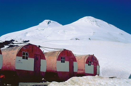 Botschki-Tonnen mit Elbrus
