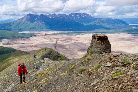 Alaska-valley-of-10.000-smokes