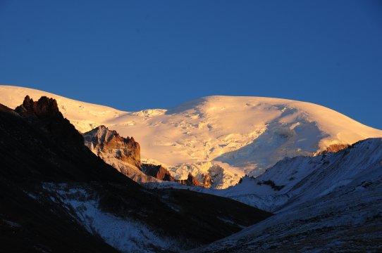 Strahlender Elbrus