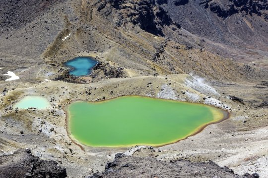 Blick auf die Tongariro Crossing Emerald Lakes