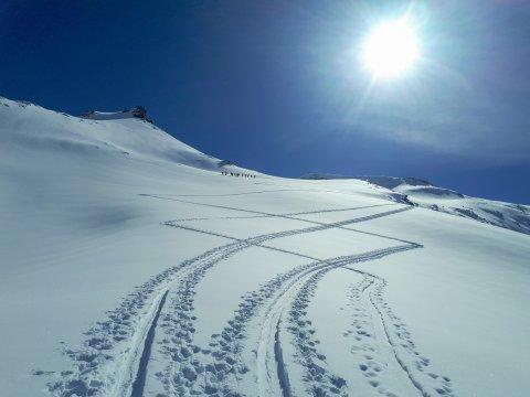 Österreich-Alpen-Aufstiegsspuren