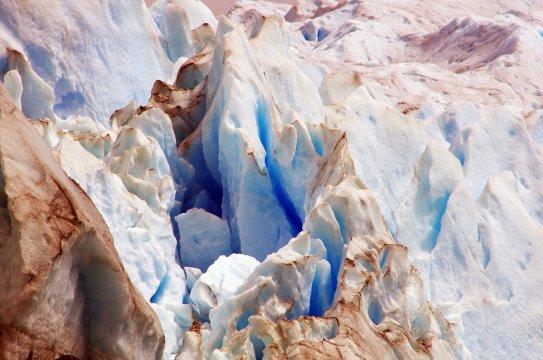Gletscherspalten am Lago Leones