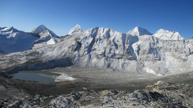 Nepal-Amphu-Laptsa