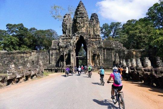 Radeln durch Angkor Wat