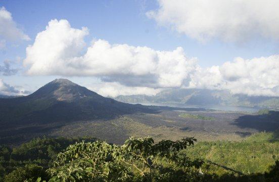 Bali Batur Blick von Caldera auf Batur Vulkan und See