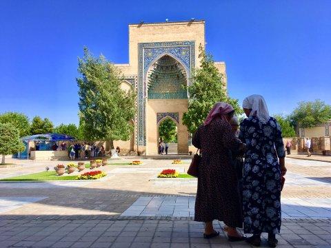 Innenhof der Bibi-Chanum-Moschee in Samarkand