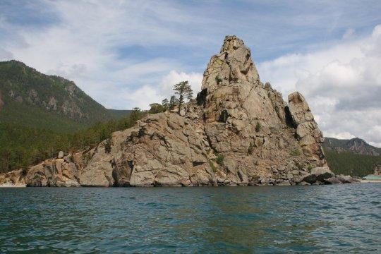 Russland_Baikalsee_Großer_Glockenturm_an_der_Sandbucht