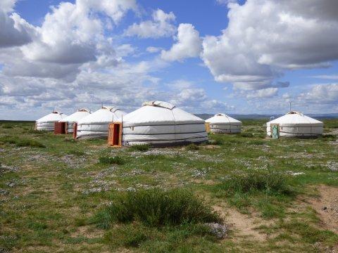 Jurtenlager nahe der Sanddünen von Ar Burd Els