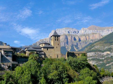 Dorf in den Pyrenäen