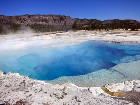 USA-Yellowstone-Pool