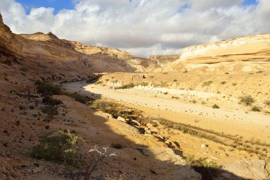 Canyon Landschaft im Wadi Shuwaymiyah_2