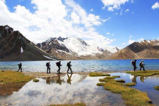 Wanderer am Chapdarkul-See
