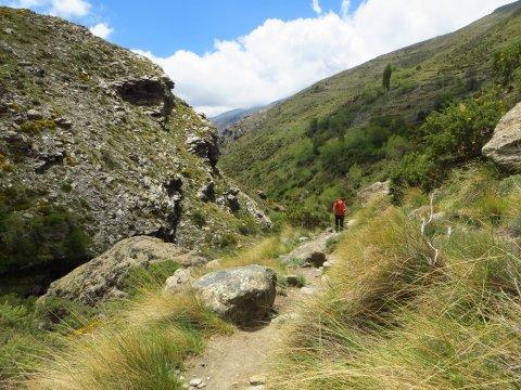 Wandern durch die Alpujarra Schlucht