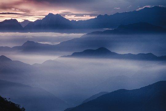 Nebliges Tal in Sierra Nevada de Santa Marta