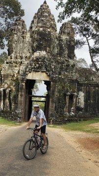 Vor dem Victory Gate von Angkor Thom