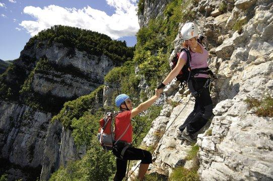 Klettersteigset Sportler : Italien top 5 klettersteige am gardasee bergsteigen