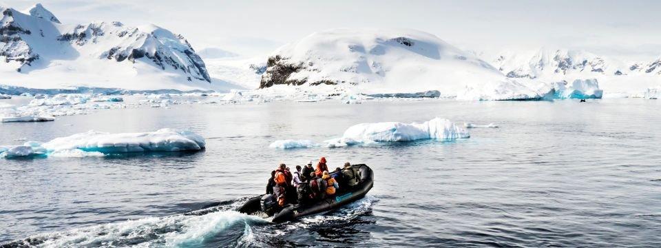 AN_DID_Antarktis_9_Boot_960x360