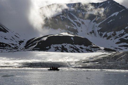 Spitzbergen Zodiac Gletscherfront Gipfel