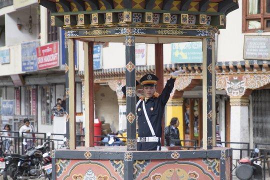 Verkehrspolizist im Zentrum von Thimphu