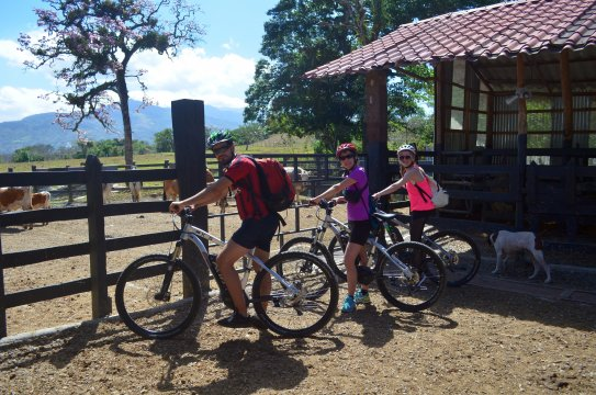 Costa-Rica-Unterwegs-mit-dem-E-Bike-in-Costa-Rica-01