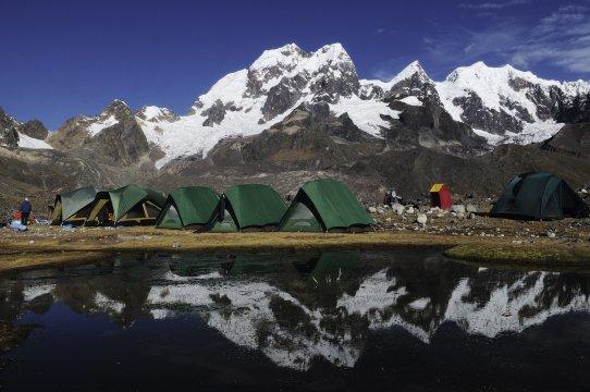 Lagerplatz beim Vilcanota-Trekking