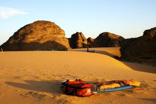 Schlafplatz in der Wüste unter freiem Himmel