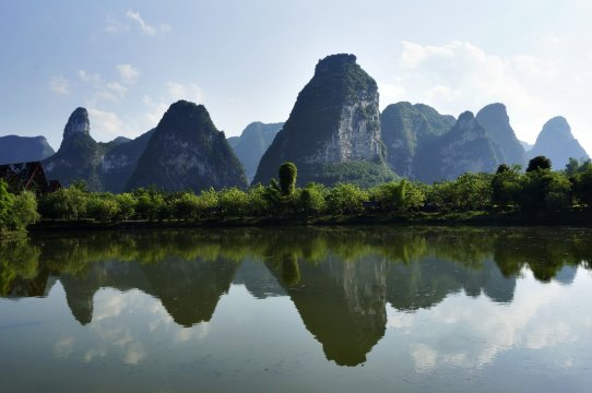 Kegelkarstberge in Suedchina