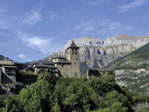 Dorf in den Pyrenäen 2